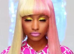 Nicki-Minaj-Super-Bass1