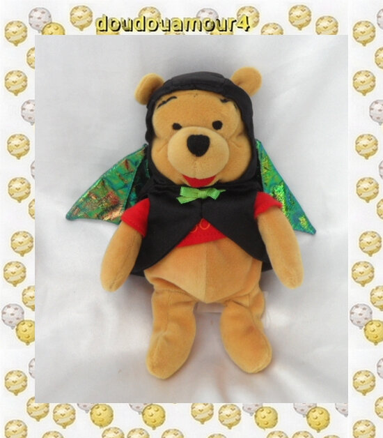 Doudou Peluche Winnie L'Ourson Déguisé En Chauve Souris Batman Disneyland Resort Disney