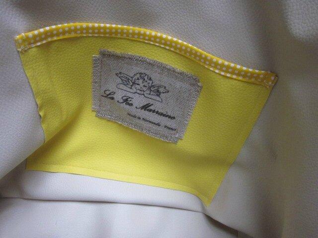Sac cabas FELICIE n°6 en lin brut et simili daim naturel, fond étoile et poche intérieure en simili cuir jaune, bandes de paillettes or, sangles militaire en cuir (4)