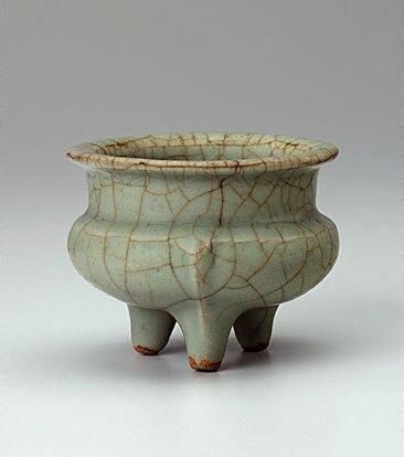 Incense tripod burner, Ge ware, 13th century, China, Southern Song (1127 - 1279), Zhejiang Province, stoneware with crackled glaze, 7.5 x 9.8 cm; 9.5 cm diam. of mouth. Bequest of Kenneth Myer 1993. 584.1993. Art Gallery of New South Wales, Sydney (C) Art