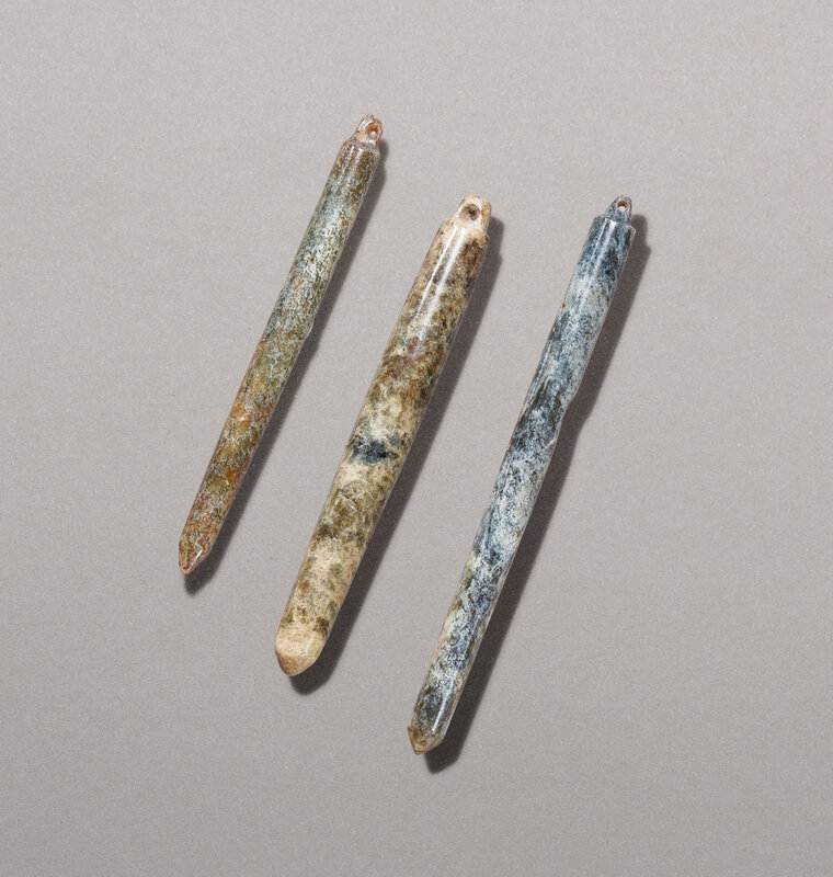 2020_HGK_18243_0218_000(a_group_of_three_jade_needle-form_ornaments_liangzhu_culture124256)