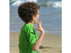 Pourquoi les mouvements stéréotypés et répétitifs des autistes sont de petits gestes qu'il faut respecter