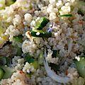 Couscous aux fleurs, concombre et échalote