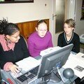 Des stagiaires au travail : Karine Baga, Christina, Lucie Delage