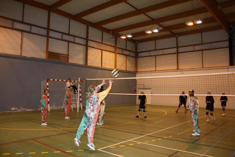 2010-12-16_volley_deguise_41