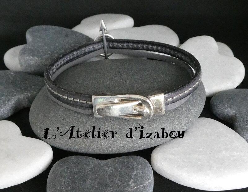 P1030048_Bracelet_Saint_Valentin_passant_fl_che_et_breloque_coeur__cuir_cousu_et_daim_gris__fermoir_boucle_ceinture