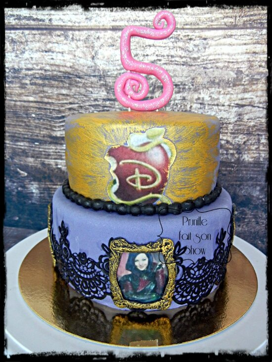 gateau mal descendant disney prunillefee