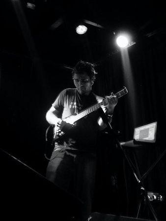 Umut_Caglar___live_at_Peyote_myspace
