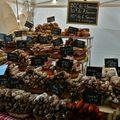 Saveurs de France au marché de l'Avenue de Saint-Ouen.