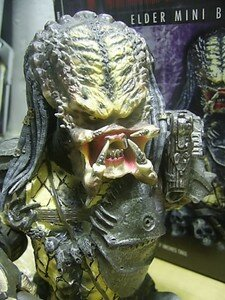 Predator2_Elder_mini_bust4