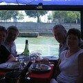 dejeuner sur le bateau mouche