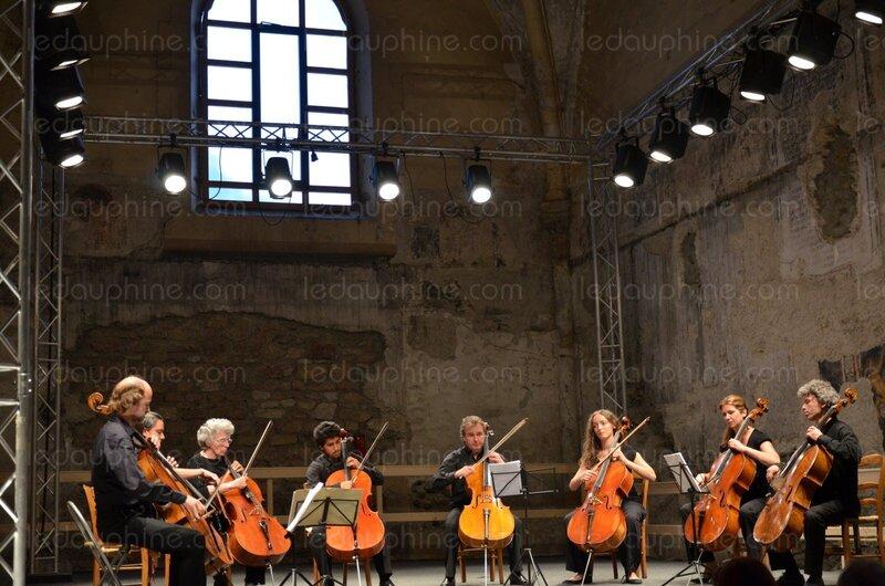 l_ensemble_des_violoncellistes_en_residence_au_festival_joueront_le15_juillet_a_l_eglise_des_cordeliers_de_briancon