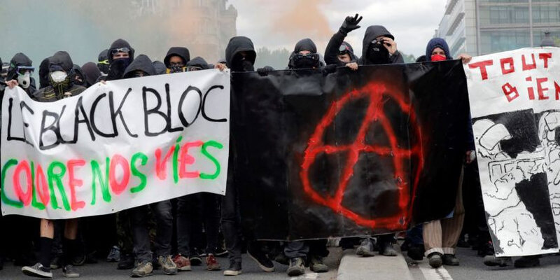 black-blocs-4