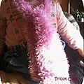 Article n°28 : une jolie écharpe en laine fantaisie à poil pour enfant