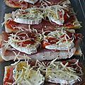 Pizza baguette au jambon cru, chèvre et miel