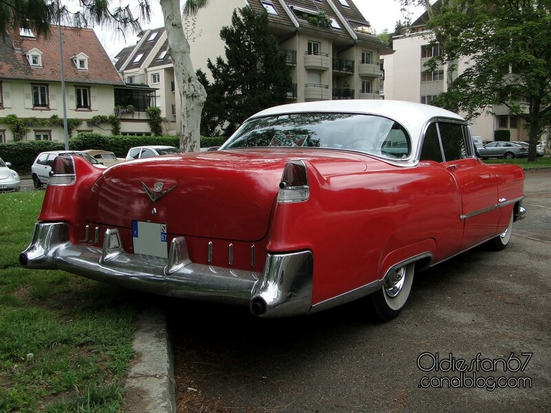 cadillac-coupe-deville-1955-02