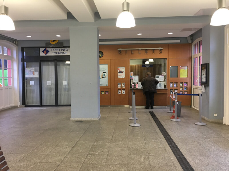 gare-SNCF-Avranches-office tourisme-Poste-guichet-agence postale communale-APC-OT