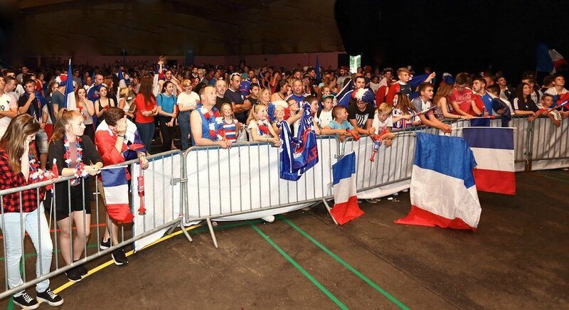 FRANCE - PORTUGAL 2016 SUPPORTERS salle