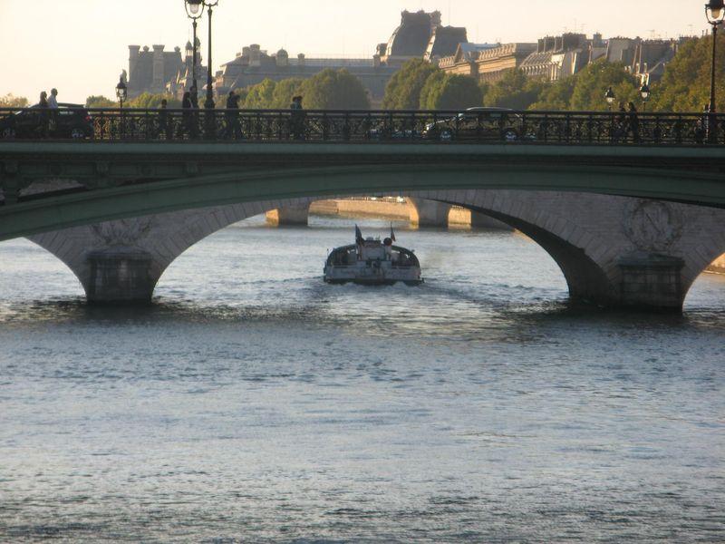 Sous les ponts coule la Seine