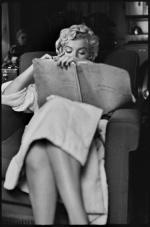 by_elliott_erwitt-MARILYN-MONROE-NEW-YORK-1956-2-BHC0342