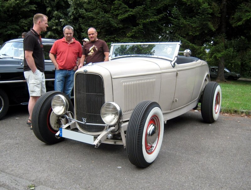 Ford type B roadster de 1932 (Retrorencard aout 2009) 01