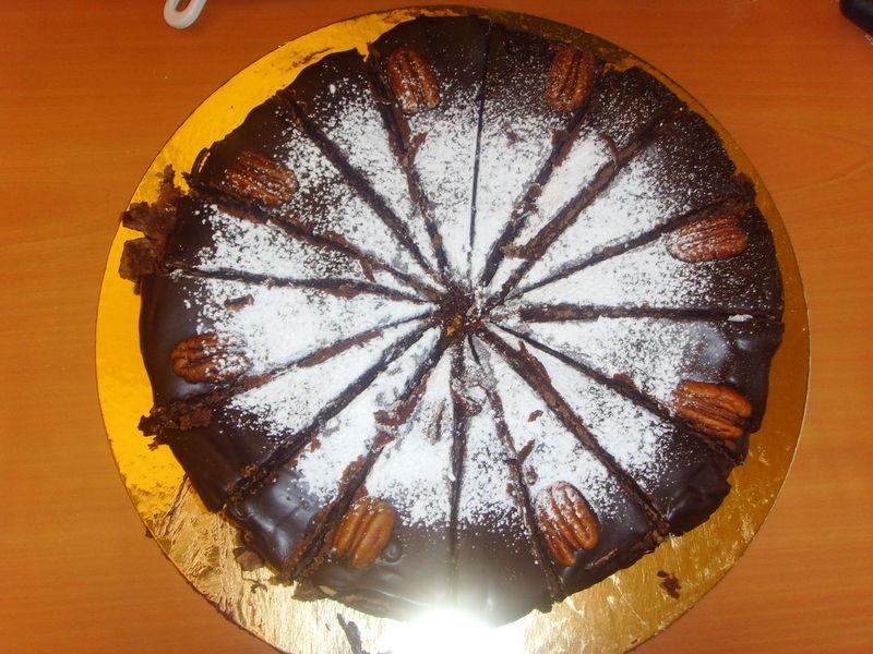 Gâteau moelleux au chocolat et aux noix de pécan