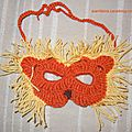Masques au crochet : le lion