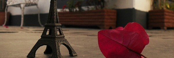 Tour-Eiffel-par-In-The-Face-Of-The-Adversity-600x200