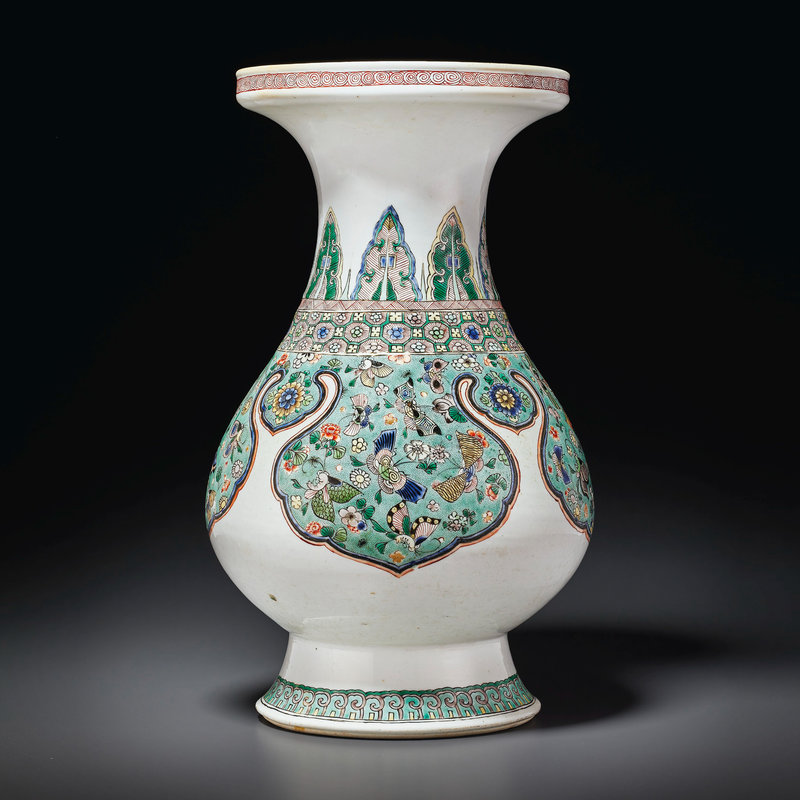 A famille verte pear-shaped vase, Kangxi period