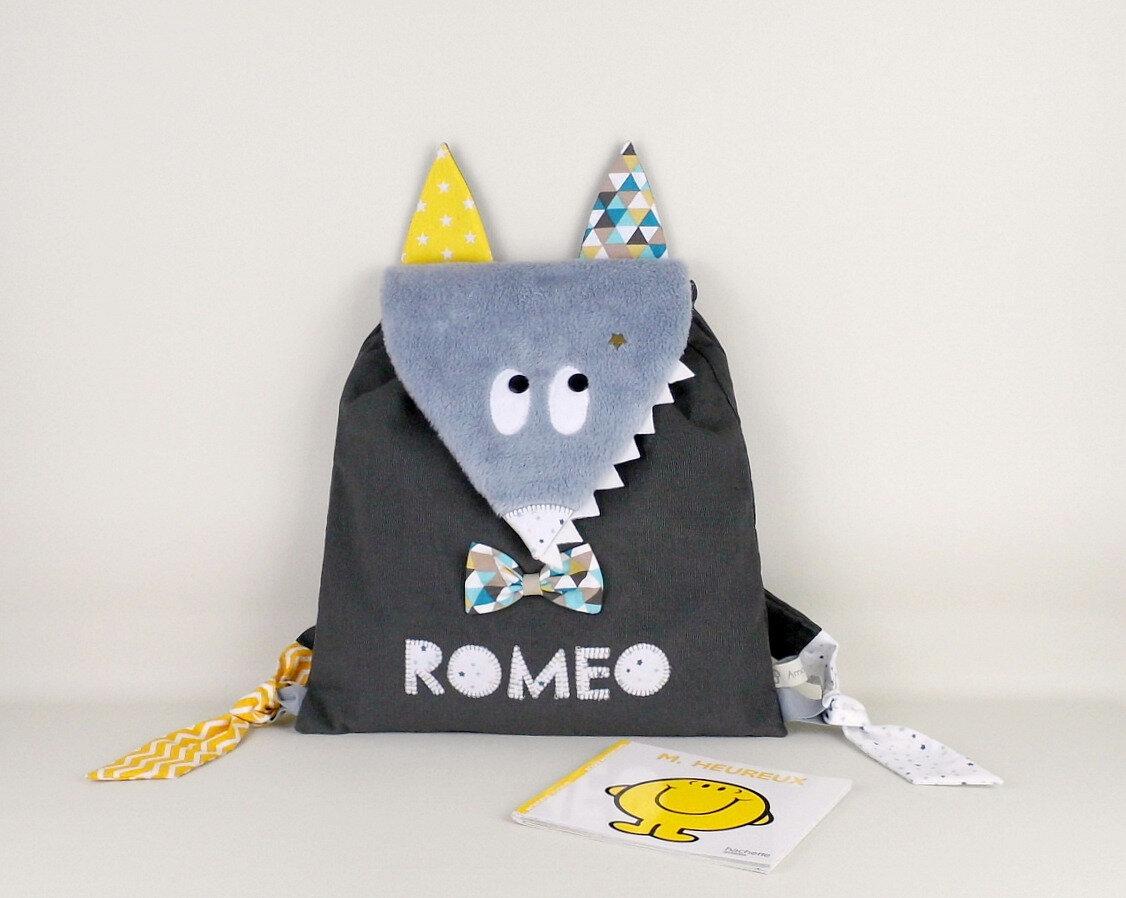 Sac à dos loup personnalisé prénom Roméo sac enfant personnalisable prénom couleurs