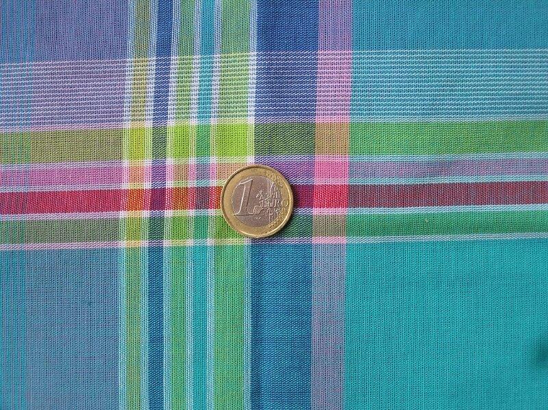 Madras bleu, rose et jaune