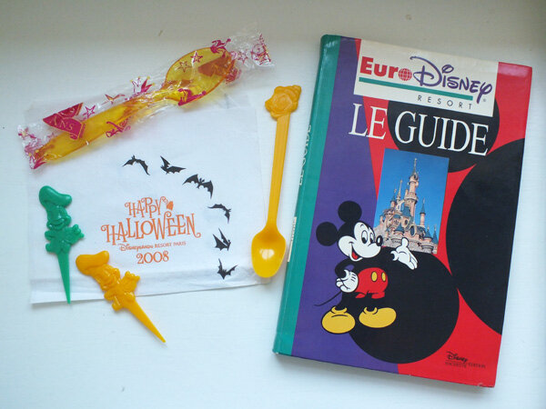 6 maman-flocon-mamanflocon-disney-disneyland-paris-guide-halloween-collection-cuillère-serviette-eurodisney-eurodisneyland