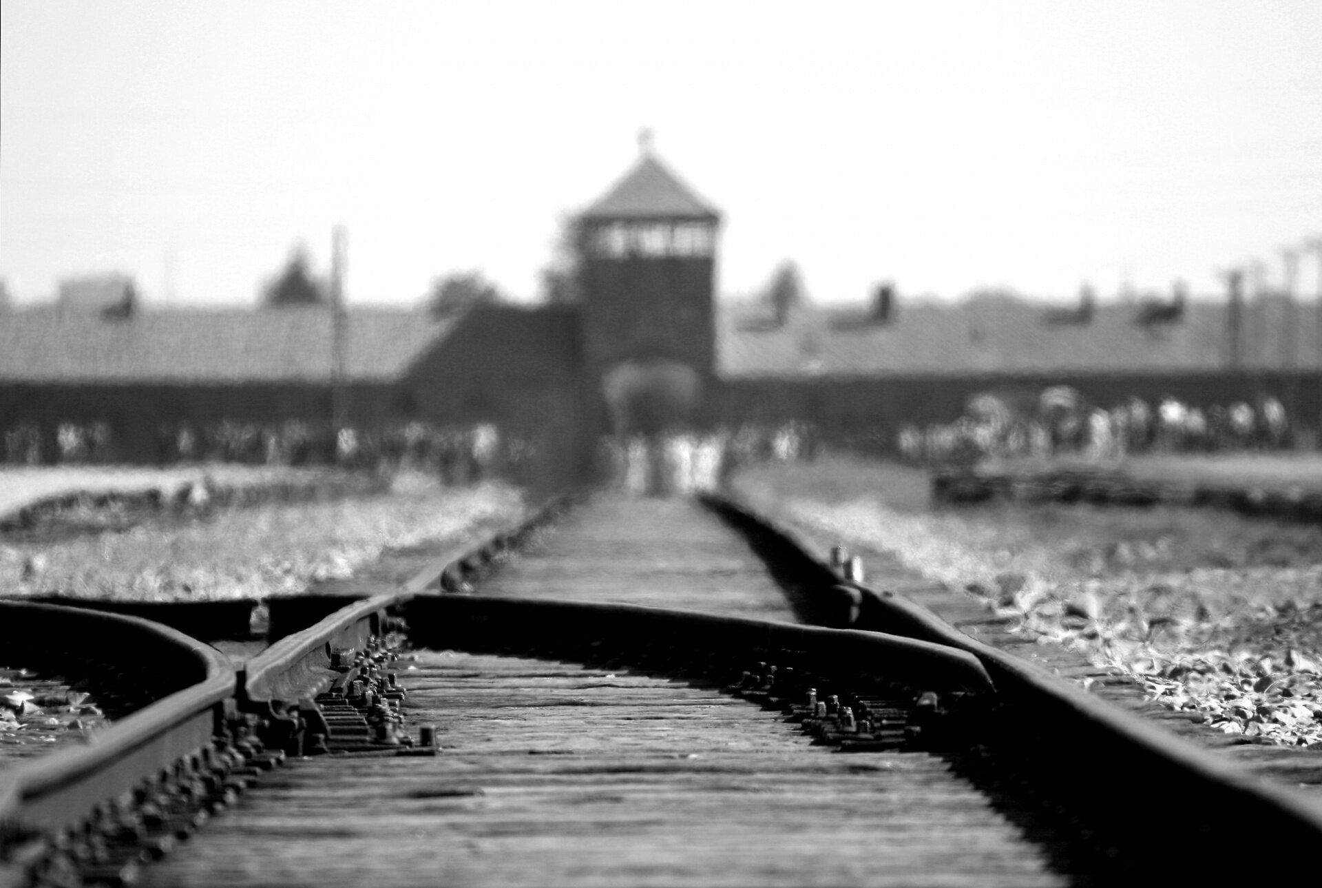 Auschwitz… profanée