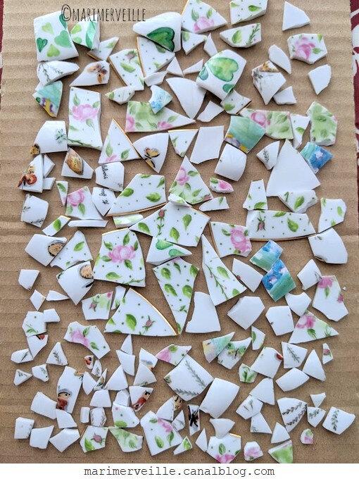 tesselles de vaisselle peinte à la main ©marimerveille