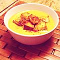 Soupe de carottes, lentilles et lait de coco