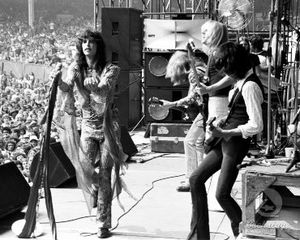 Aerosmith_pictures_1977_KXK_3012_002_l