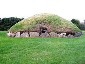 Newgrange_Knowth__11_a