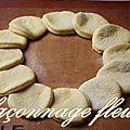 ~~ façonnage brioche (ou pain) en forme de fleur ~~