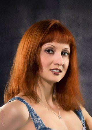 P32 - Longue chevelure rousse