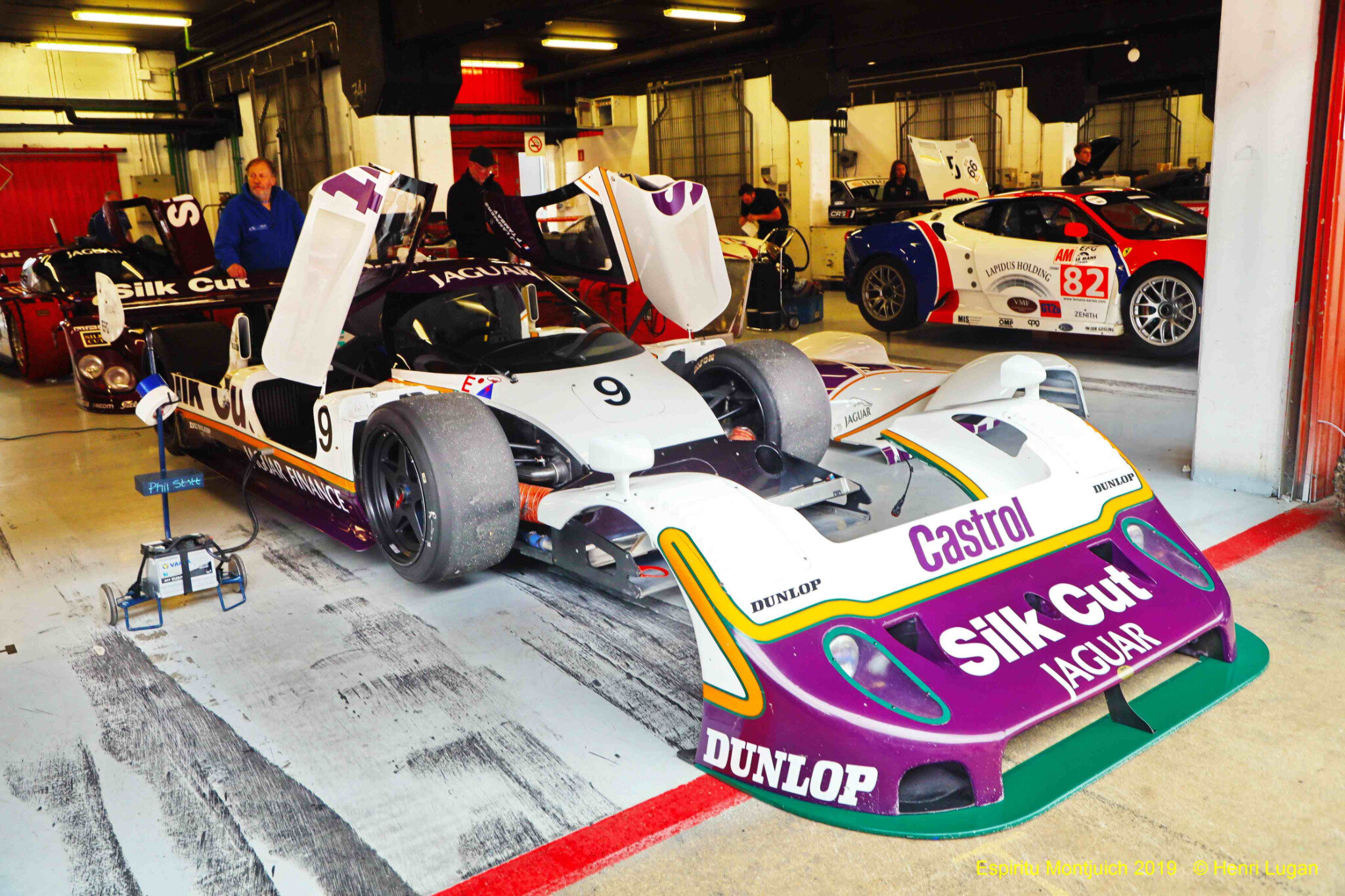 Jaguar XJR 11_04 - 1990 [UK] HL_GF