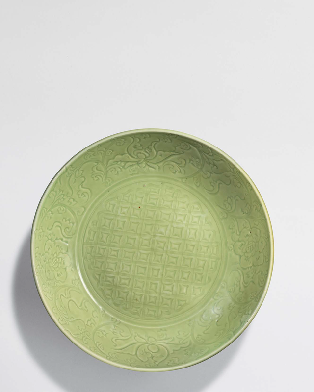 A Large Longquan celadon incised charger, Ming dynasty, 15th century