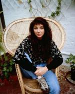 pomare-1980s-kate_bush-1