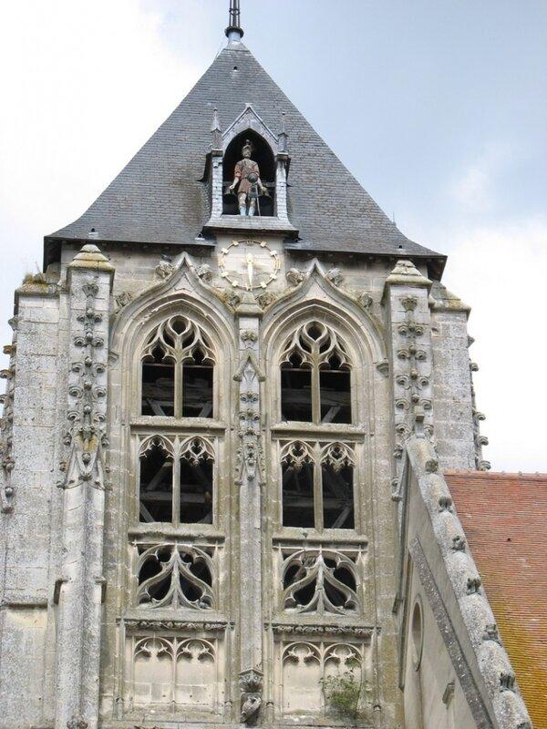Beaumont-le-Roger_2771_Tour-clocher-de-l-eglise-avec-son-Automate-REGU