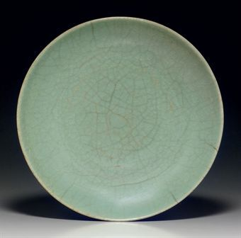 a_rare_longquan_guan_type_shallow_dish_song_yuan_dynasty_13th_14th_cen_d5348013h