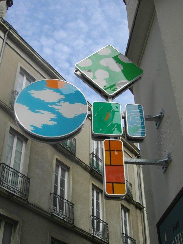 panneau-rue-carmes-voyage-nantes