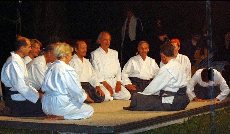 pratiquants du kinomichi présents au Jubilé de J Breton
