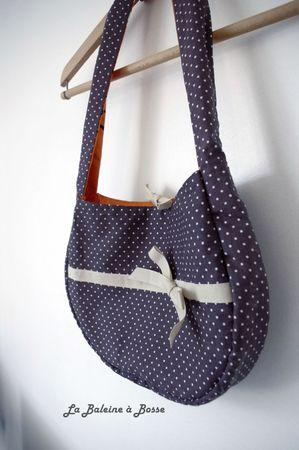 sac à main réversible coton orange motif nature oiseau et coton prune pois blanc côté prune profil