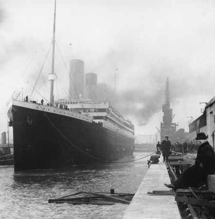 titanic_in_dock