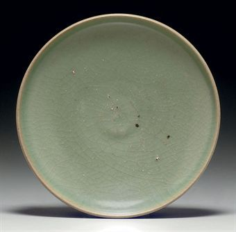 a_green_junyao_shallow_dish_song_dynasty_11th_12th_century_d5348008h