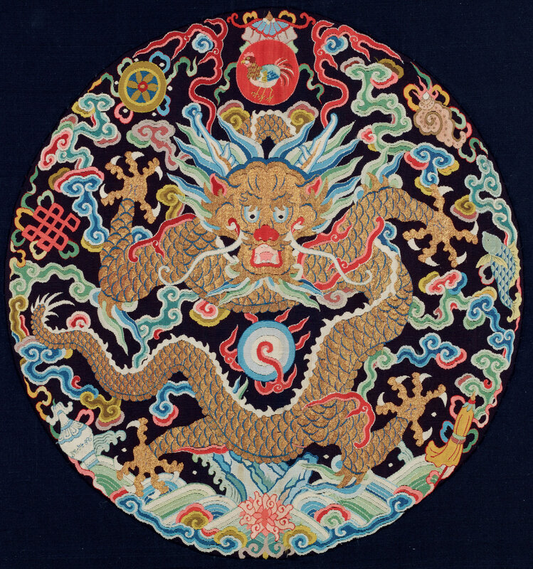2012_HGK_02913_4035_000(a_fine_and_rare_imperial_kesi_dragon_roundel_from_an_emperors_surcoat)